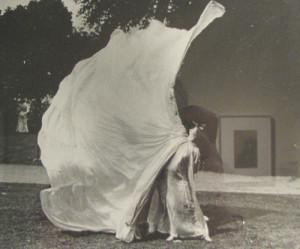 Entre otras gestas, Loïe Fuller fue la valedora en USA de Isadora Duncan