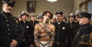Adrien Brody refresca la brillantez profesional de Harry Houdini