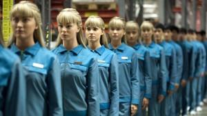 Humans diseña un futuro en el que los androides son elementos esenciales en la vida familiar