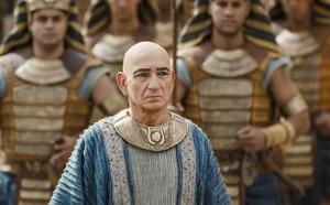 Ben Kingsley interpreta en King Tut al maquiavélico Ay
