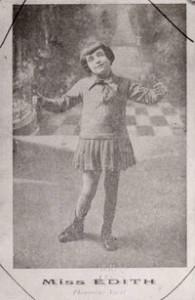 Édith Piaf comenzó a cantar cuando era una niña/ Photo Credits: BnF