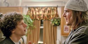 Jason Segel (derecha) ha tenido que investigar para comprender la manera de ser del complicado David Foster Wallace