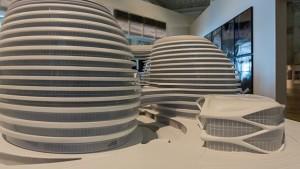 El recorrido expositivo se compone de más de 300 trabajos de Zaha Hadid/ Photo Credits: Zaha Hadid y El Museo del Hermitage