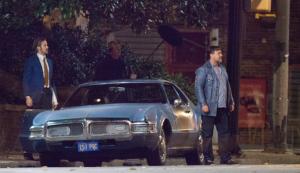"""Russell Crowe (delante del coche en la foto) comenzó el rodaje de """"The Nice Guys"""" en el otoño de 2014"""