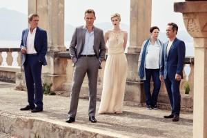 Tom Hiddleston (adelantado del resto del grupo) encarna a un ex soldado llamado Jonathan Pine
