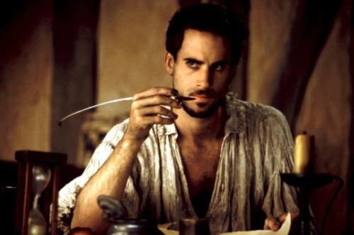 Joseph Fiennes (en la foto) ha levantado un aluvión de reacciones ante el reto de meterse en la piel del autor de Thriller