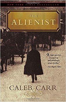 """Luke Evans confiesa haber leído """"El alienista"""" con una pasión creciente por saber el final"""