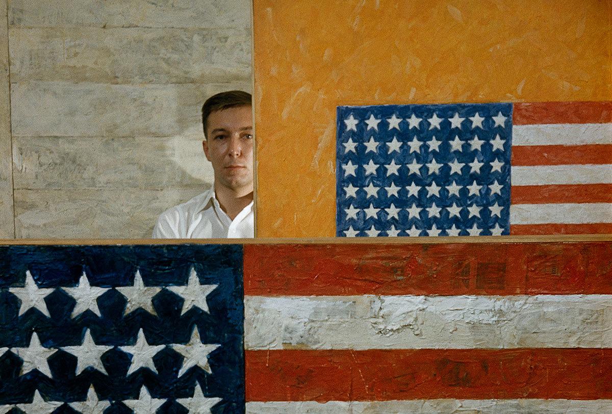Jasper Johns comenzó su trayectoria internacional con sus famosas banderas de USA/ Foto: Dan Budnik y The Royal Academy of Arts